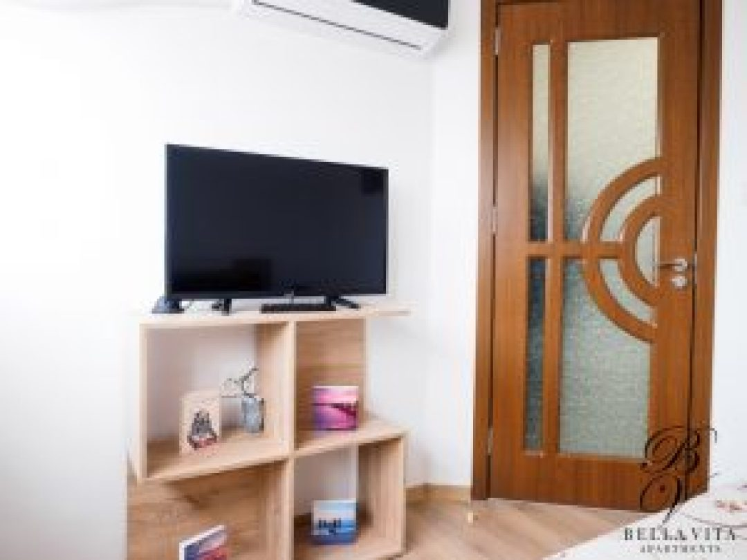 Апартамент под наем Благоевград с климатик и голям телевизор токи
