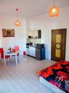 Изтънчено обзаведен апартамент под наем Благоевград с италиански дизайн