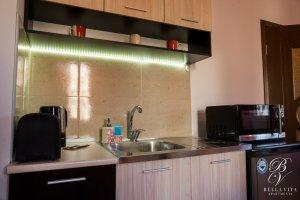 Кухненски бокс в напълно обзаведен апартамент под наем Благоевград мила