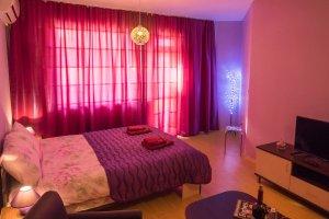 Обзаведен апартамент под наем в Благоевград широк център слайдър