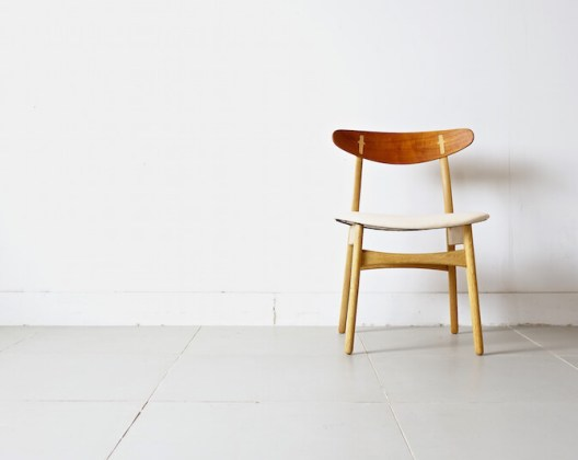 CH30/leather by Hans J. Wegner