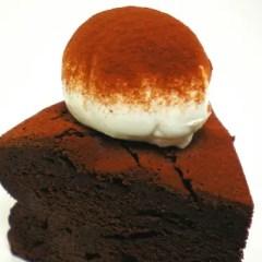 黒いガトーショコラ ベルギー産クーベルチュールの焼チョコケーキ