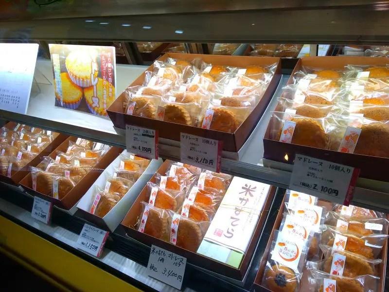 led2019 3 - 焼菓子ショーケーキにもLED増設 もちろんDIYで!