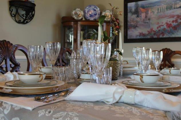 Belle Bleu Interiors Elegant Tablescape 4