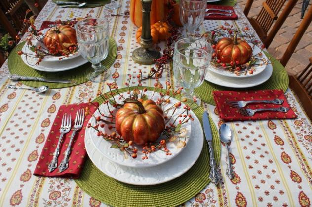 Belle Bleu Interiors Outdoor Fall Tablescape 2