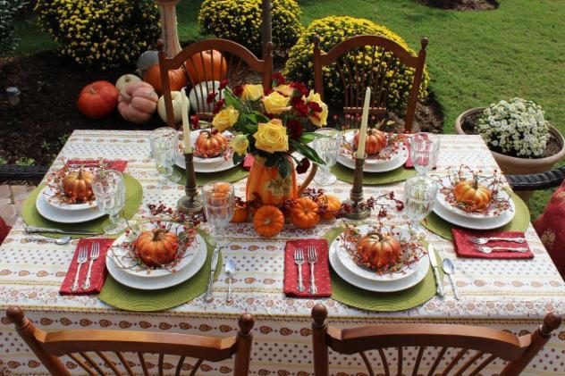 Belle Bleu Interiors Outdoor Fall Tablescape 20
