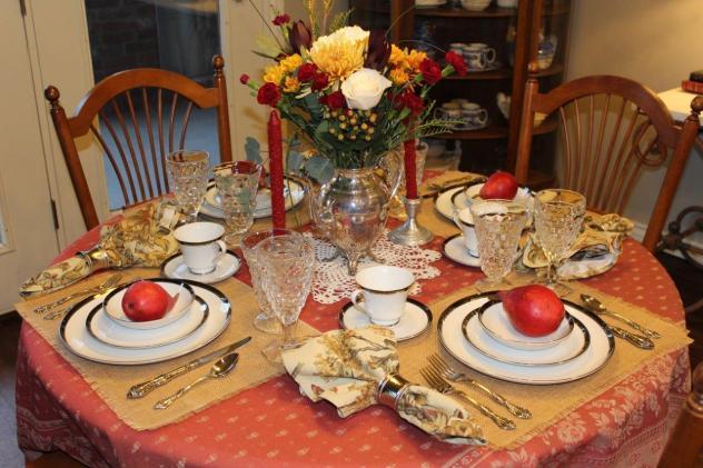 Belle Bleu Interiors Romantic Autumn Tablescape 13
