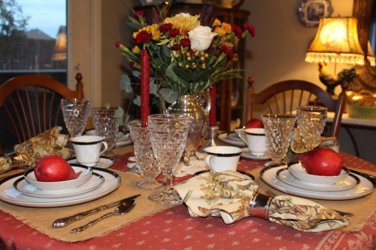 A ROMANTIC AUTUMN TABLESCAPE