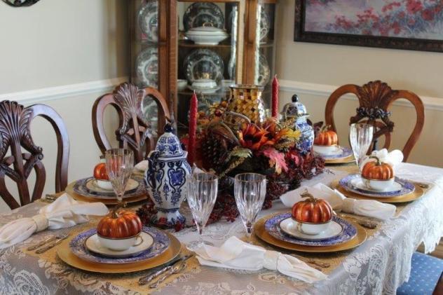 Belle Bleu Interiors Thanksgiving Tablescape Roundup 5