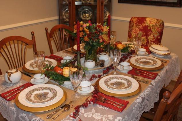 Belle Bleu Interiors Thanksgiving Tablescape Roundup 8