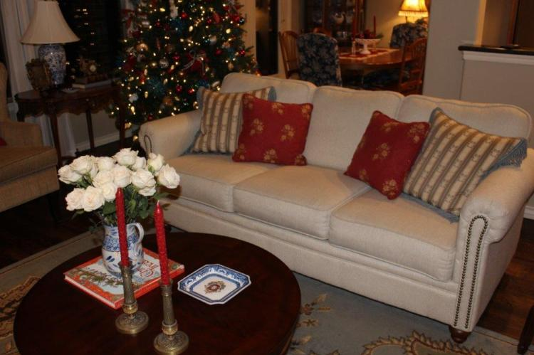 Belle Bleu Interiors Christmas Home Tour 17