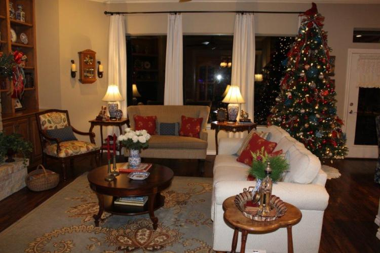 Belle Bleu Interiors Christmas Home Tour b