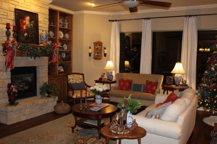 Belle Bleu Interiors Christmas Home Tour d