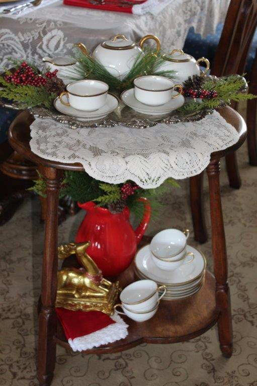 Belle Bleu Interiors Elegant Christmas Tablescape 11