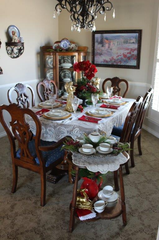 Belle Bleu Interiors Elegant Christmas Tablescape 2