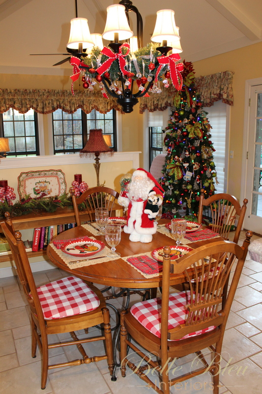 Christmas Decorations in the Breakfast Room