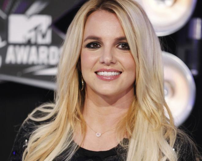 Britney Spears Dining Out With A Mystery Man On Valentine