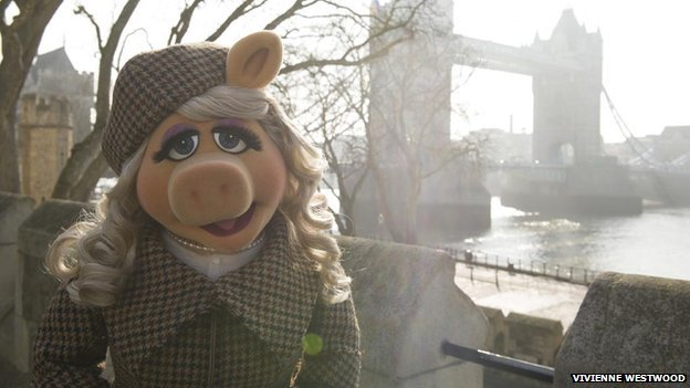 Miss Piggy has emerged as the latest high profile film character to bring attention to Harris Tweed photo