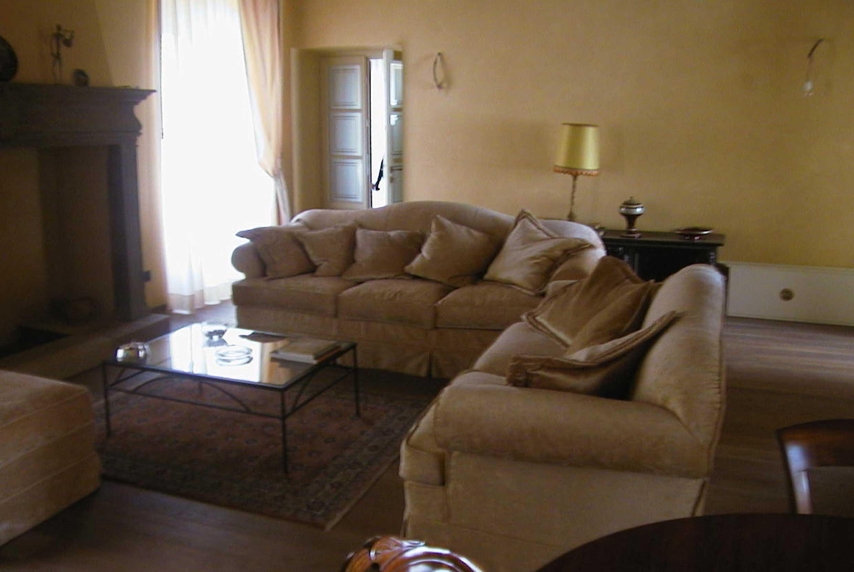 Belleri  divani