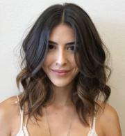 curly hairstyles medium
