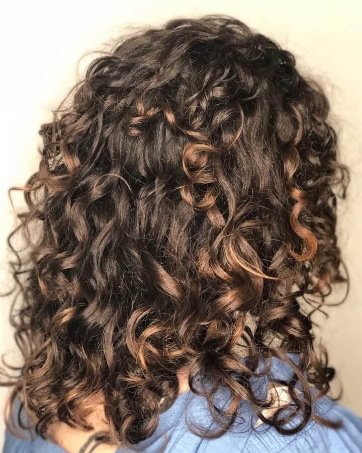 30 Best Curly Hairstyles For Medium Hair Belletag