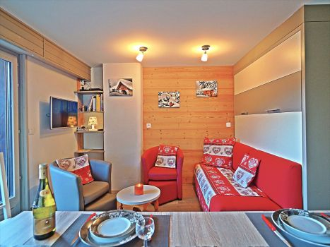 Self-catered ski-chalet rental apartment in Les Carroz