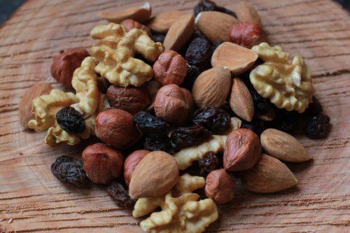 Sapevi che mangiare frutta secca aiuta il cuore e le arterie?