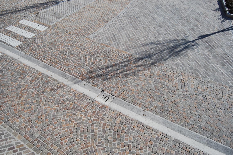 via fantoni: progetto urbano per la sostituzione delle pavimentazioni di via Fantoni in località Dorga, a Castione della Presolana