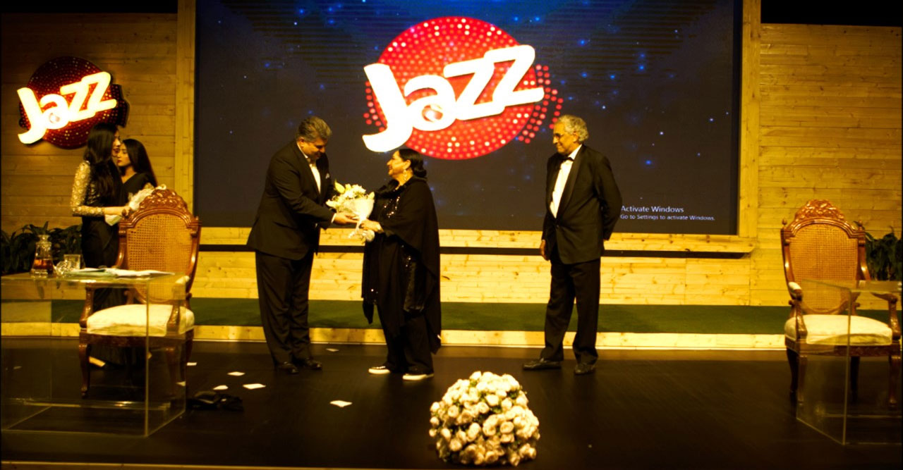 "Jazz brings A.R Gurney's ""Love Letters"" to Lahore"