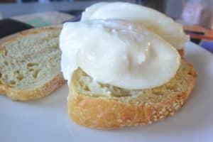 Poached Eggs a no-fail easy recipe