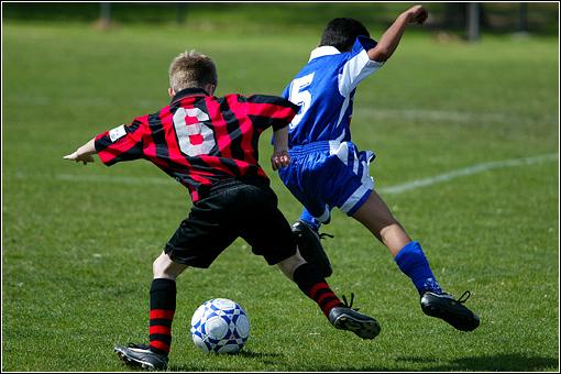Kids-playing-soccer