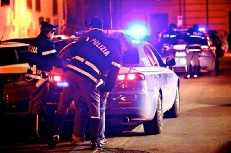 Napoli: Polizia arresta un 23enne per resistenza a Pubblico Ufficiale,  lesioni personali e danneggiamento – Teleradio-News ♥ mai spam o pubblicità  molesta