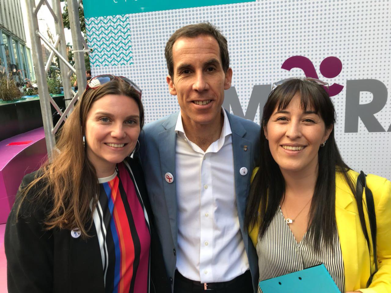Alcalde de Santiago Felipe Alessandri junto a Marcia Lühr y Kathya Alegría de Bemark Comunicaciones