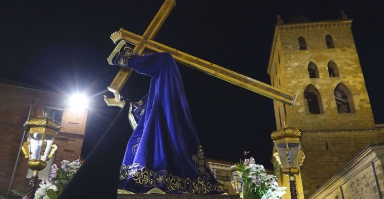 Photo of GALERÍA: Procesión de La Santa Vera Cruz el Jueves Santo Benavente