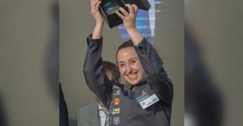 Photo of La benaventana Marta Charro pasa a la final en el IV Concurso Camarero del Año