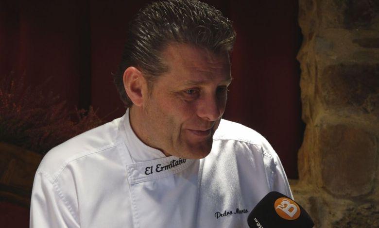 Photo of Pedro Mario Pérez jurado en el II Concurso de cocina de ibérico