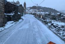 Photo of Trabajos para la retirada de hielo en las carreteras tras las nevadas