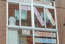 Photo of Los balcones de Benavente se llenan de mensajes de apoyo a los trabajadores que luchan en esta pandemia