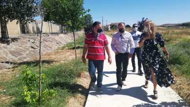 Photo of El presidente de la Diputación se compromete a estudiar el arreglo del camino que une Benegiles con Torres del Carrizal