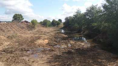 Photo of La Confederación Hidrográfica interviene en la  limpieza del Castrón en Villanueva de las Peras