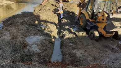 Photo of Paladinos sustituye la tubería del abastecimiento bajo el lecho del Ahogaborricos