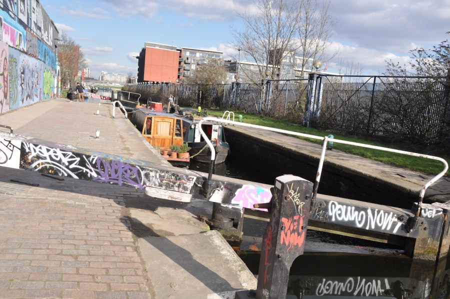 canal boats image