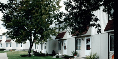Sterling Heights MI  Autumn Woods Affordable Communities  Benchmark Management Corp