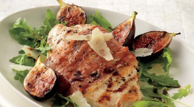 prosciutto wrapped chicken with fig balsamic glaze