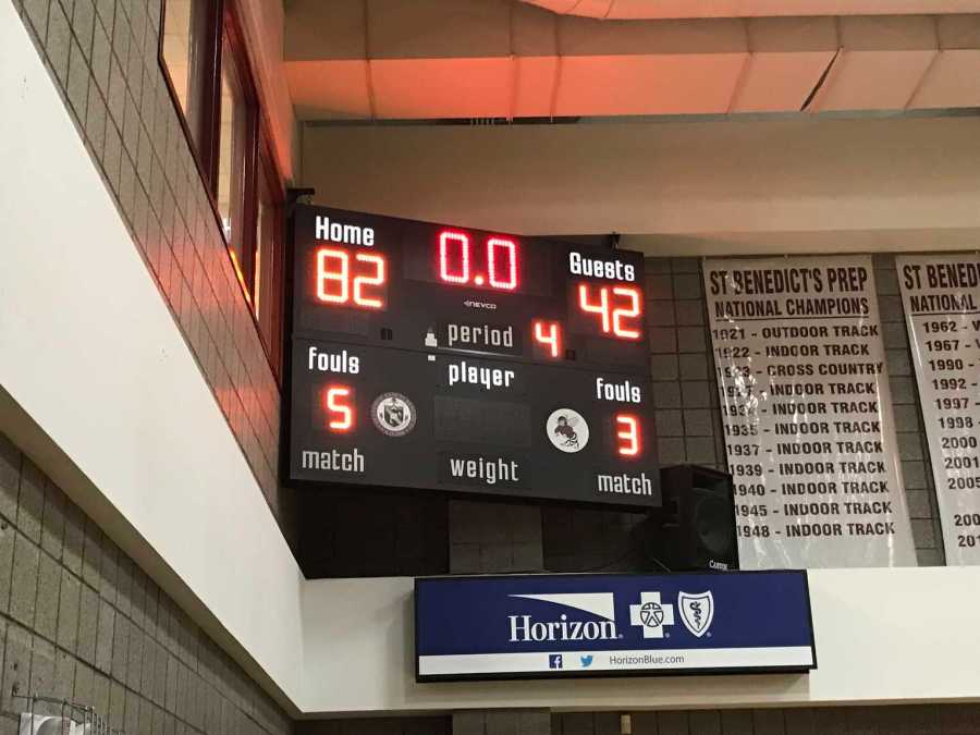 Basketball Team Debuts With a Blowout