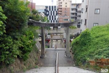 Les escaliers menant au sanctuaire Atago de Fukuoka