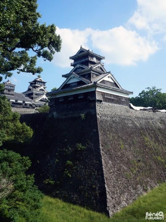Château de Kumamoto après les séismes d'avril 2016