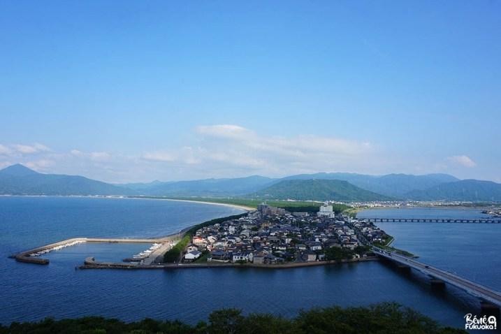 Vue sur l Karatsu et la pinède Niji no Matsubara depuis le château de la ville