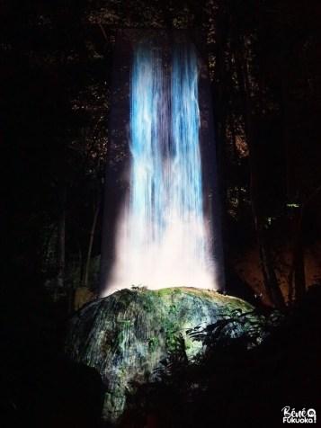 "Exposition ""A Forest Where Gods Live"" par la Teamlab au jardin Mifuneyama, Takeo, Saga"