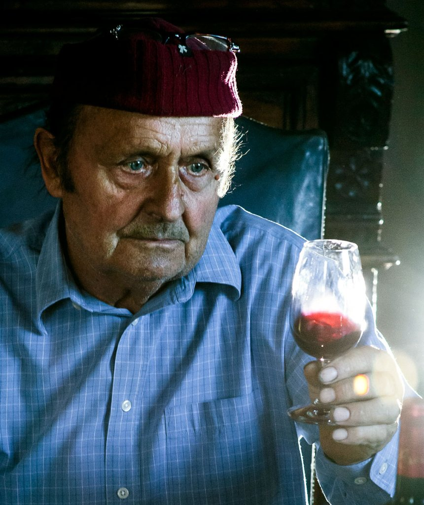 english-photographer-portrait-art-wine_7940